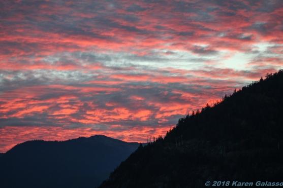 10 11 18 Sun setting in Squamish BC Canada (1)