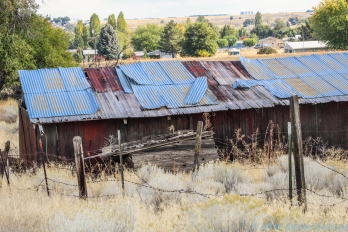 10 6 18 Old buildings & vehicles in a field Moses Lake WA (5 of 7)